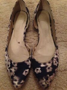 Size 11 ladies floral flats Griffith Griffith Area Preview
