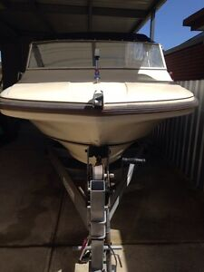Caribbean fibreglass 17ft with 90hp Yamaha excellent condition . St Albans Brimbank Area Preview