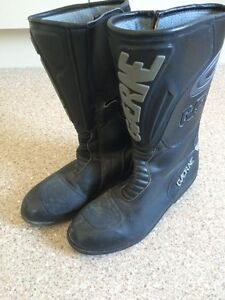 Boots, motor bike rider Dapto Wollongong Area Preview
