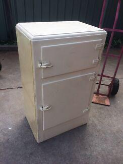 *****1950 Maples ice fridge