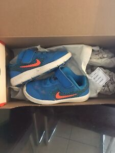 Baby nikes South Windsor Hawkesbury Area Preview