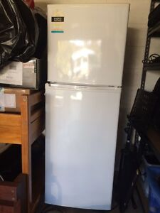 Top mount fridge in great condition Avoca Beach Gosford Area Preview