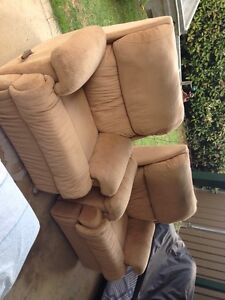 2x recliner Bligh Park Hawkesbury Area Preview