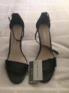 Ladies black shoes size 10 Burrangong Young Area Preview