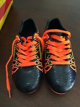 Kids Soccer boots size 11 Bethania Logan Area Preview