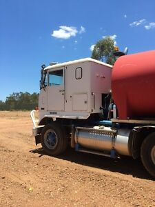 1980 white commander water truck Clermont Isaac Area Preview