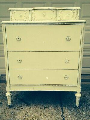 Lovely Vintage Shabby Chic Style Dresser