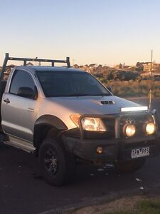Hilux ute Bell Post Hill Geelong City Preview