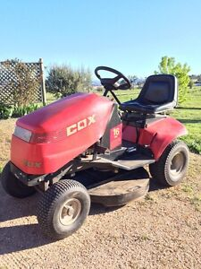 Cox ride on mower Glen Innes Glen Innes Area Preview