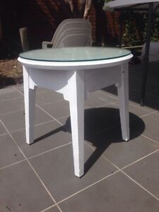 Shabby chic vintage side table night stand coffee table North Strathfield Canada Bay Area Preview