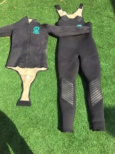 Diving wet suit Melville Melville Area Preview