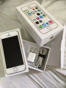 IPhone 5S. Gold colour  **UNLOCKED**