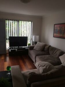 1 unfurnished room for rent in Kangaroo point townhouse Kangaroo Point Brisbane South East Preview