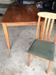 Wooden table & 6 chairs Yarraville Maribyrnong Area Preview