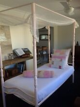 4 post princess single bed Clear Island Waters Gold Coast City Preview