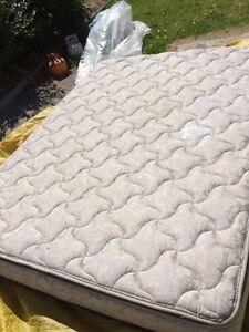 Free queen mattress Clayton Monash Area Preview