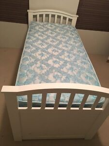 White framed single bed with trundle Madora Bay Mandurah Area Preview