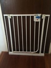 Valco baby gate Artarmon Willoughby Area Preview