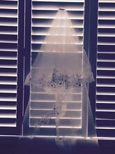 Cathedral style wedding veil/wedding garter Thornton Maitland Area Preview