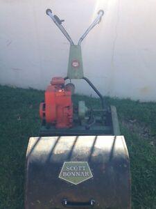 Scott Bonnar cylinder mower Birkdale Redland Area Preview