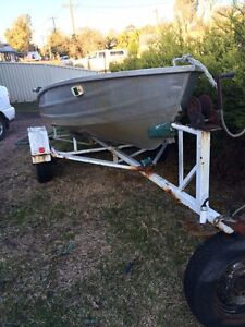Brooker ct12 12ft tinny with a 6hp evinrude and 6hp Johnson Chittaway Bay Wyong Area Preview