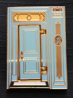 RARE! WALT DISNEY BEHIND OPENING CLUB 33 DOOR PIN-DISNEYLAND 48TH ANNIVERSARY!