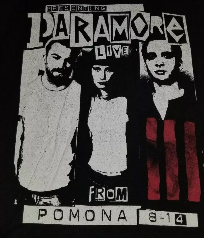 Paramore T-shirt small for men original Pomona 2014. 26×17 In. Vintagejoes