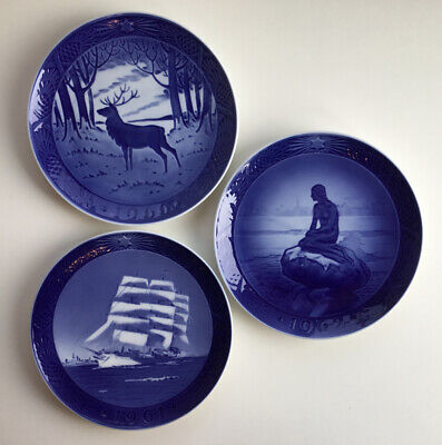 Lot of 3 Royal Copenhagen Blue Christmas Plates 1960, 1961, 1962 - EUC