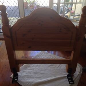 Solid pine timber bed head for single bed Brighton-le-sands Rockdale Area Preview