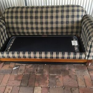 2 seater lounge with fold out bed Morphett Vale Morphett Vale Area Preview