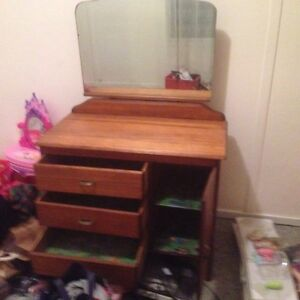 Antique Dressing table. Bowenfels Lithgow Area Preview