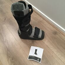 Equaliser walker moon boot. Large Clyde Casey Area Preview