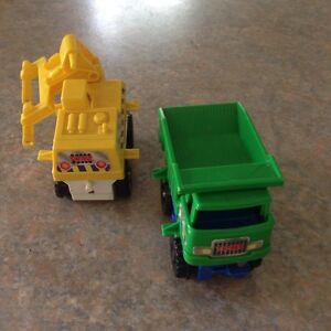 Vintage 1977 TOMY  2x Truck From Big Loader Construction Set - Berwick Casey Area Preview