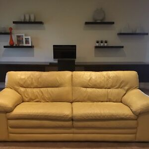 PRICE REDUCTION leather lounge suite Echuca Campaspe Area Preview