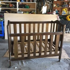 Baby cot Bethania Logan Area Preview