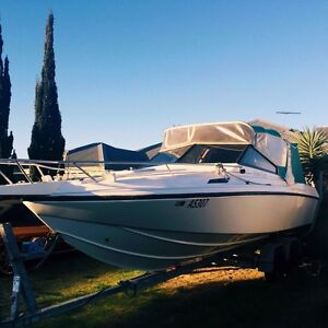 Leeder 650 rotto weekender ski boat fishing boat family cruising Tapping Wanneroo Area Preview