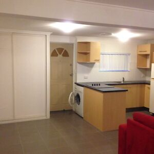 Private area/granny flat to rent Bray Park Pine Rivers Area Preview