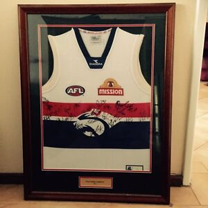 western bulldogs signed and framed jumper Cloverdale Belmont Area Preview