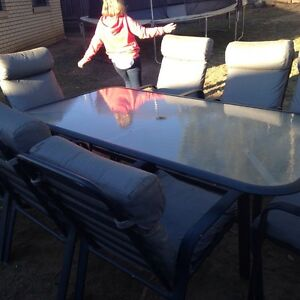 9 seat outdoor setting good condition Bellbird Park Ipswich City Preview