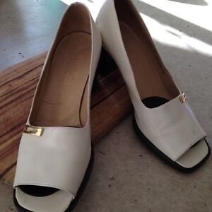 Vintage Gucci pumps Italian size 38 Bulimba Brisbane South East Preview
