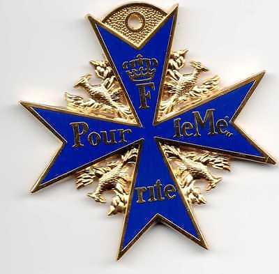 Unknown World War Medal I II Gold Blue UK German Antique Retro USA French France