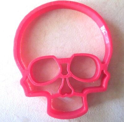 Creepy Halloween Cookies (Skull Halloween Cookie Cutter Biscuit Pastry Spooky Bones Creepy Scary)