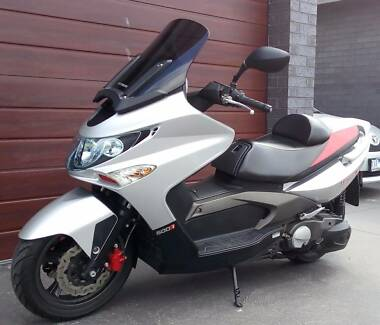 Ultra Low Mileage 2009 Kymco Xciting 500Ri ABS Scooter For Sale