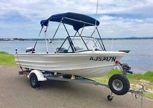 Aluminium runabout fishing boat refurbished