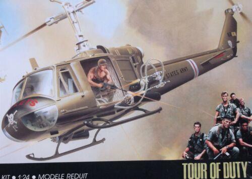 UH-1B HUEY HELICOPTER RARE NAM TOUR OF DUTY CHOPPER BIG 1/24 MONOGRAM #6086