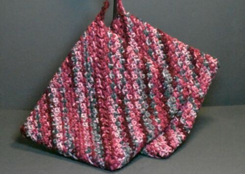 """Hand Crocheted Double Thick Hot Pad Pot Holder Pair """"Apples"""" wine green cream"""