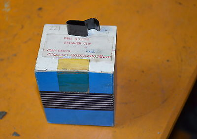Vintage NOS Fullwell Wire & Loom retaining clip (FMP86079) box of 22