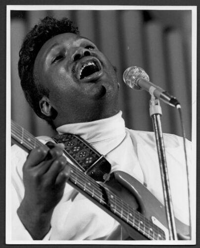 OTIS RUSH blues singer songwriter guitarist ORIG PHOTO by TOM COPI