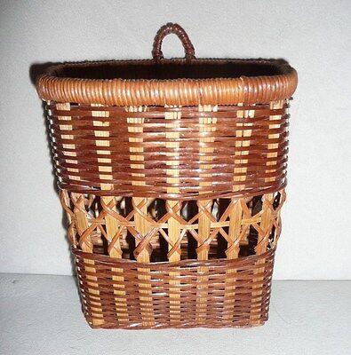 "Vintage Wall Hanging Pocket Woven Wicker Basket 6"""