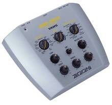GUITAR AND AMP EFFECTS MODELER - VAMS ZOOM GM-200 Mount Lawley Stirling Area Preview